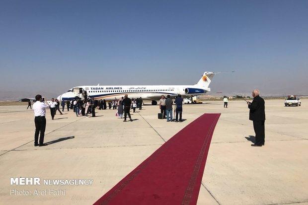 اولین پرواز مسافری در فرودگاه پیغام به زمین نشست