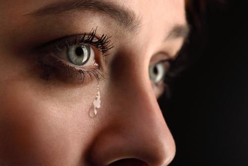 عفونتی که به انسداد مجرای اشکی منجر می گردد