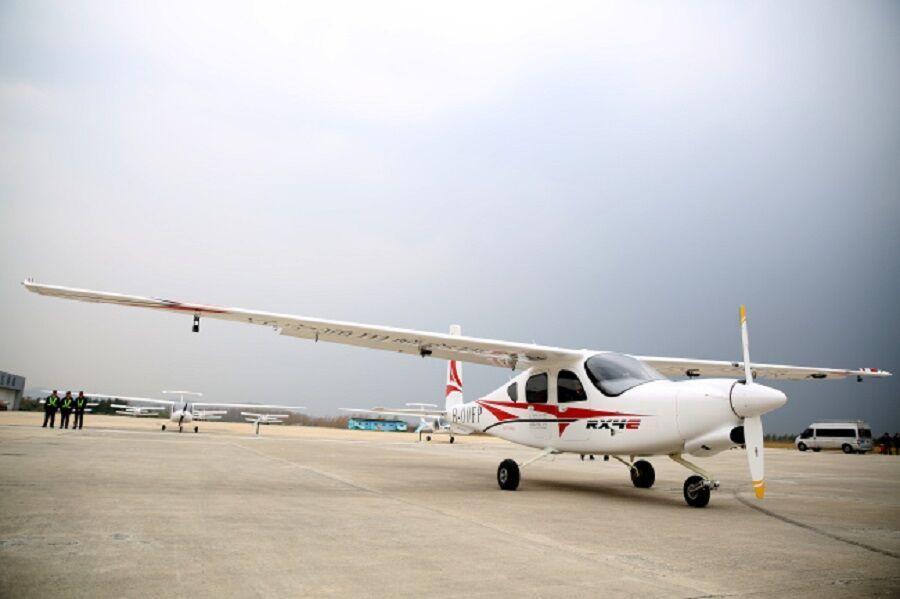 نخستین هواپیمای برقی چین پرواز کرد