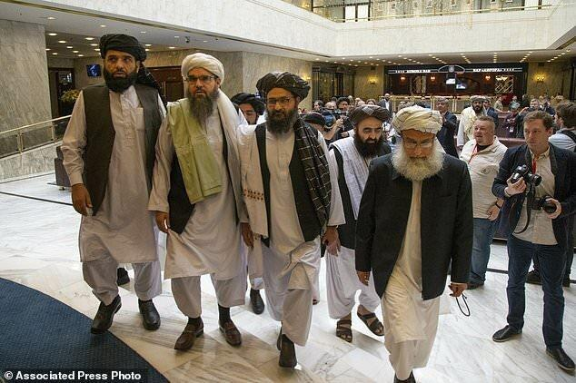 رایزنی رییس جمهور افغانستان و وزیر خارجه چین درباره گفتگوها با طالبان