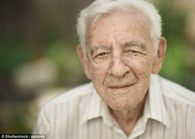 تعدیل سنی جمعیت آینده و مقابله با پیر جمعیتی کشور در سال های آینده لازم است