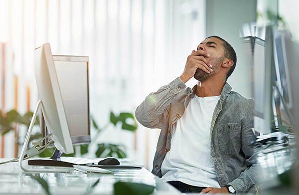 نقش پررنگ اینترنت در خواب آلودگی روزانه