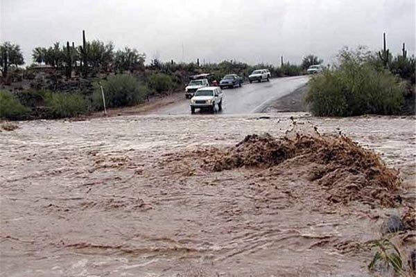 سیلاب رودخانه خرم آباد تا غروب امروز به خیابان ها سرریز می نماید