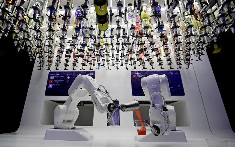 رقبای جدید کاری، انسان ها و ربات ها