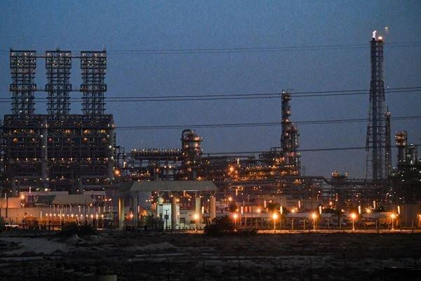 عربستان سعودی شهر صنعتی دمام را به طور کامل تعطیل می نماید