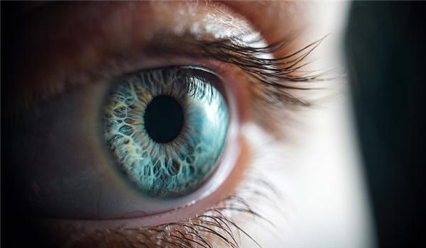 چشم ها سیگنالی غیرمنتظره به مغز می فرستند