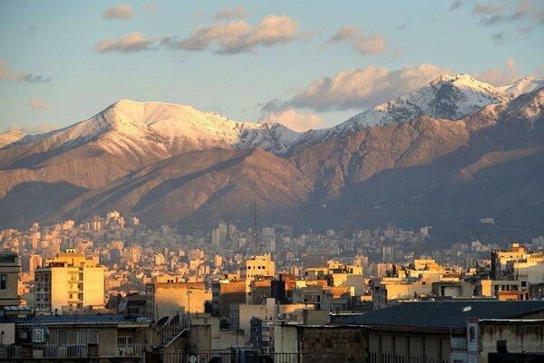 هوای تهران برای همه گروه های جامعه ناسالم شد