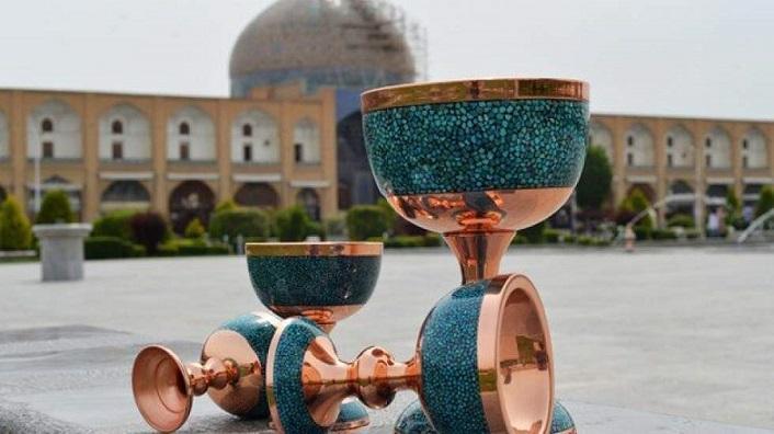 مجمع هنرمندان صنایع دستی با برگزاری نمایشگاه مخالفت کرد