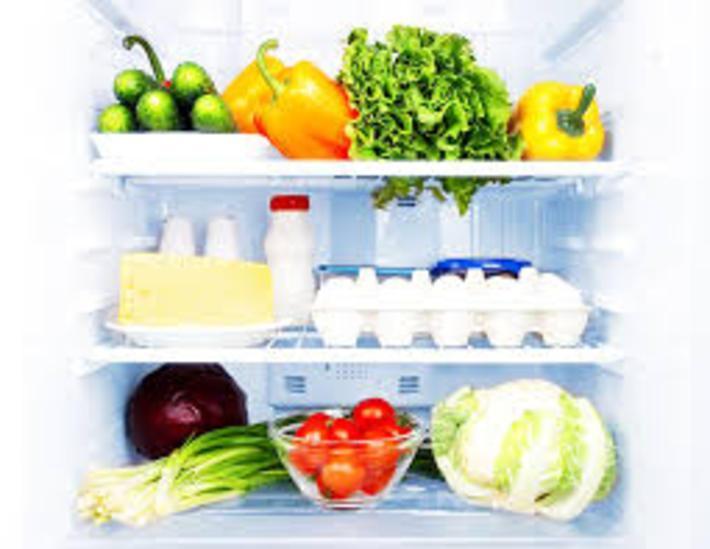 زمان نگهداری مواد غذایی در یخچال و فریزر چقدر است؟