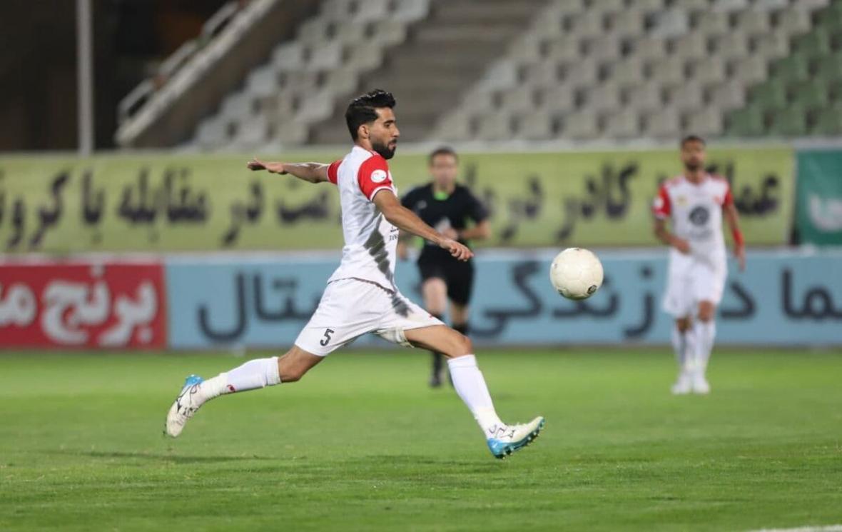 بشار رسن و یک استقلالی در تمرین تیم ملی عراق