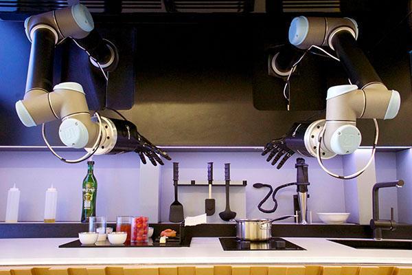 اولین آشپزخانه روباتیک دنیا ساخته شد