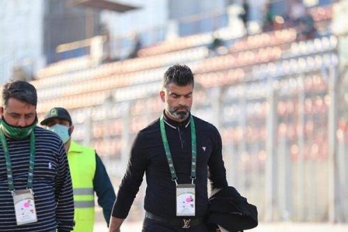 رحمان رضایی از سرمربیگری تیم فوتبال ذوب آهن برکنار شد